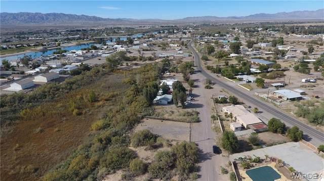 1344 E Levee Drive, Mohave Valley, AZ 86440 (MLS #974180) :: The Lander Team
