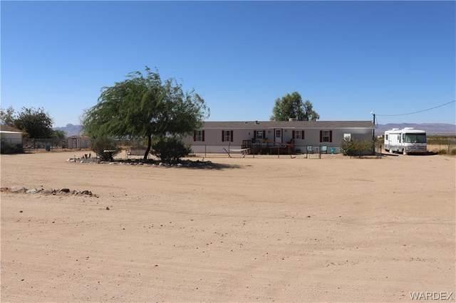 3913 N Araby Road, Golden Valley, AZ 86413 (MLS #974182) :: The Lander Team