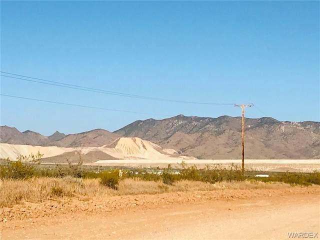 174 S Coolidge Road, Golden Valley, AZ 86413 (MLS #974209) :: The Lander Team