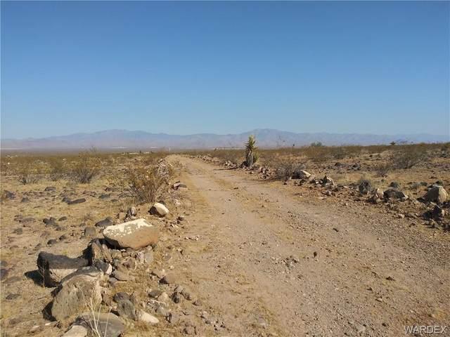 0 Yucca Dr., Golden Valley, AZ 86413 (MLS #974418) :: The Lander Team