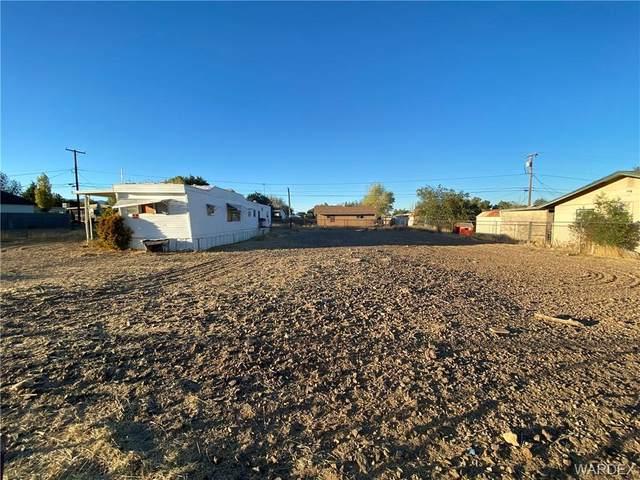 3055 E Lass Avenue, Kingman, AZ 86409 (MLS #974680) :: The Lander Team