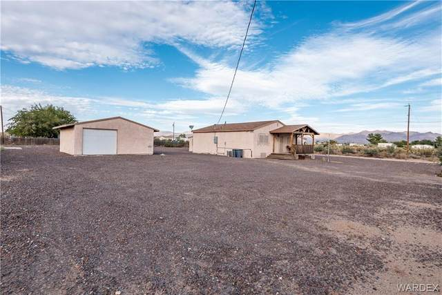 5895 W Chino Drive, Golden Valley, AZ 86413 (MLS #974881) :: The Lander Team