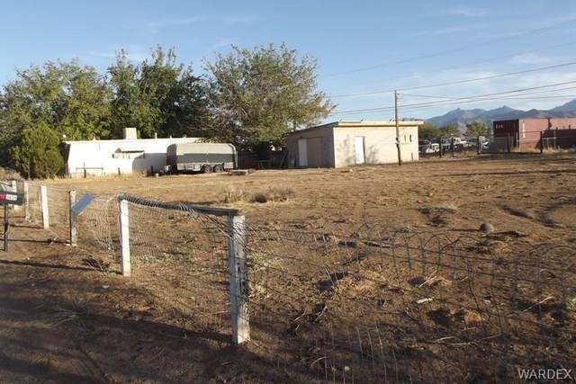 3656 E Butler Street, Kingman, AZ 86409 (MLS #975112) :: The Lander Team
