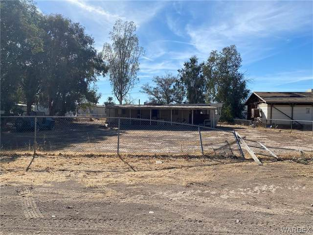 2040 E Mustang Drive, Mohave Valley, AZ 86440 (MLS #975307) :: The Lander Team