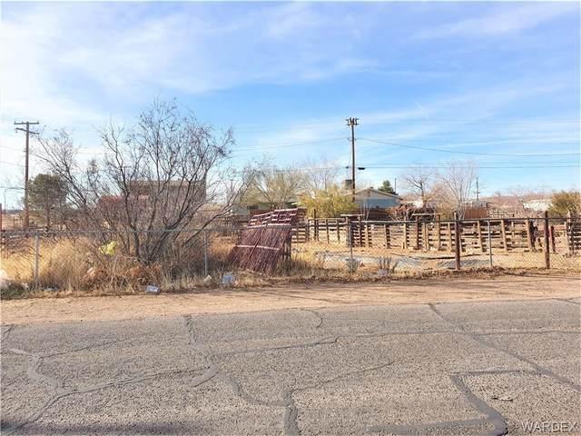 3704 E Dove Lane, Kingman, AZ 86409 (MLS #976679) :: AZ Properties Team | RE/MAX Preferred Professionals