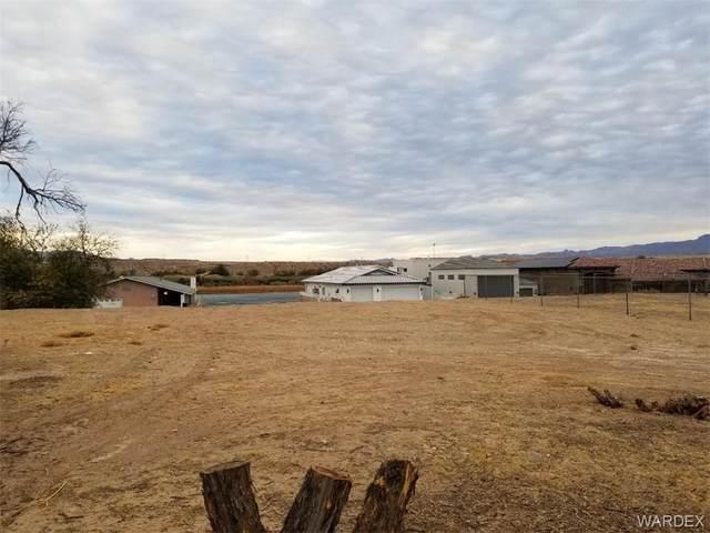 1041 Terrace Drive, Bullhead, AZ 86442 (MLS #976762) :: AZ Properties Team   RE/MAX Preferred Professionals