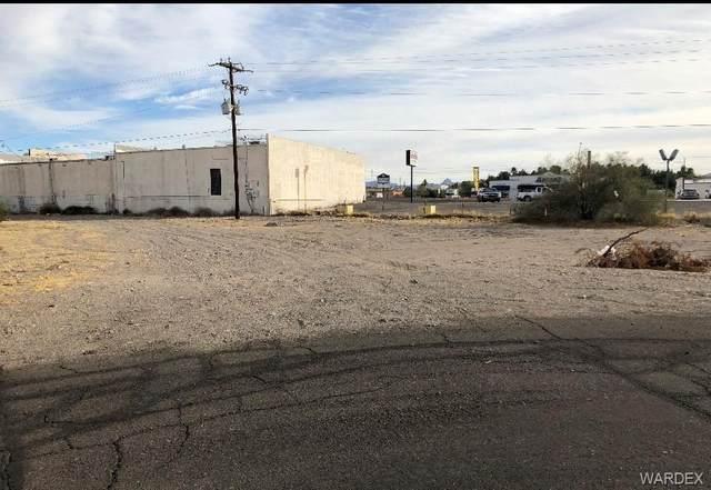 1484 Bluffs Circle, Bullhead, AZ 86442 (MLS #976946) :: The Lander Team