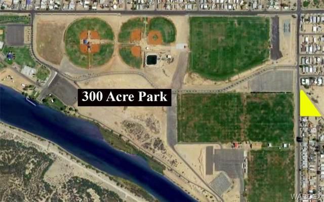 2416 Lakeside Dr, Bullhead, AZ 86442 (MLS #977098) :: The Lander Team