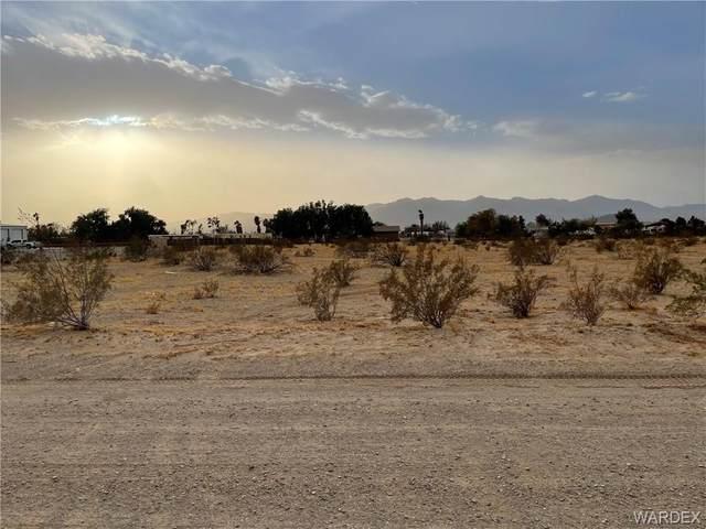 5421 S Cholla Drive, Fort Mohave, AZ 86426 (MLS #977474) :: The Lander Team