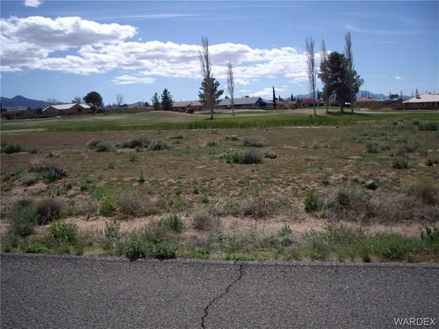 7682 E Vista Drive, Kingman, AZ 86401 (MLS #979725) :: The Lander Team