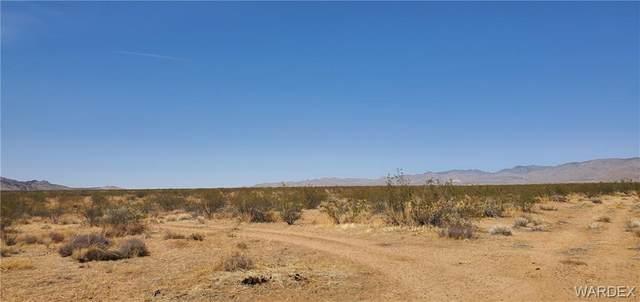 TBD W Jurassic, Golden Valley, AZ 86413 (MLS #980071) :: The Lander Team