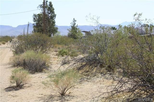 000 W Crystal Drive, Golden Valley, AZ 86413 (MLS #980234) :: The Lander Team