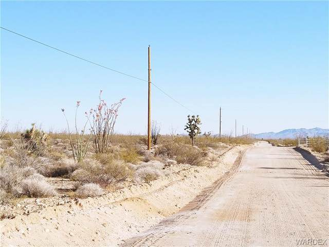 3040 Castle Butte Road, Yucca, AZ 86438 (MLS #980425) :: AZ Properties Team | RE/MAX Preferred Professionals
