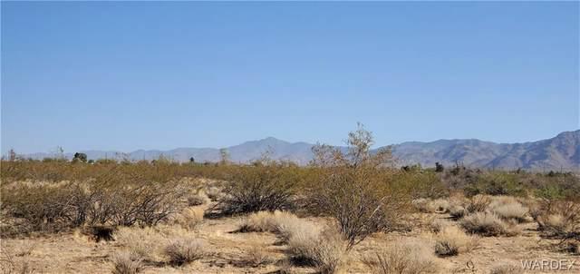 . W Scott Drive, Golden Valley, AZ 86413 (MLS #980713) :: AZ Properties Team | RE/MAX Preferred Professionals