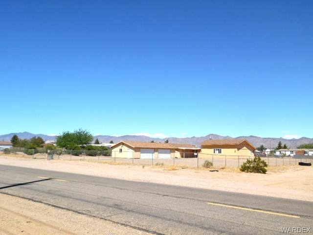 3596 N Colorado Road, Golden Valley, AZ 86413 (MLS #980725) :: AZ Properties Team | RE/MAX Preferred Professionals