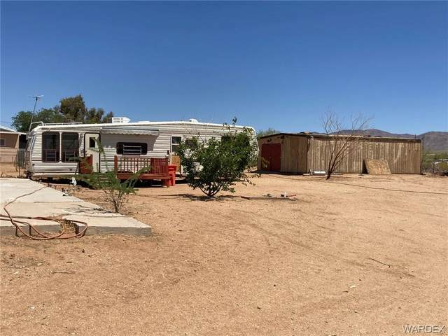 3714 Maverick Road, Golden Valley, AZ 86413 (MLS #981052) :: The Lander Team