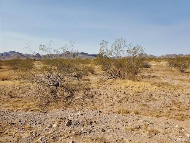 6385 S Sacramento Road, Golden Valley, AZ 86413 (MLS #981466) :: AZ Properties Team | RE/MAX Preferred Professionals