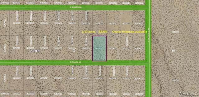 5851 Macayo Drive, Golden Valley, AZ 86413 (MLS #981530) :: The Lander Team