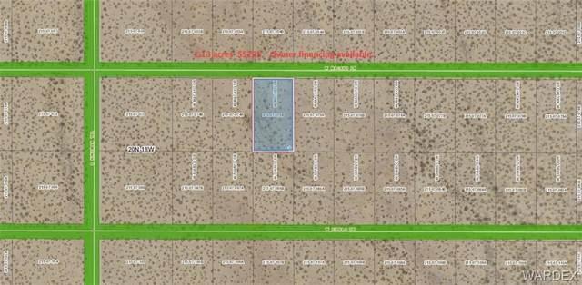 5978 Macayo Drive, Golden Valley, AZ 86413 (MLS #981569) :: The Lander Team