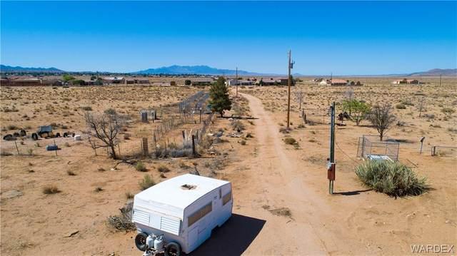 7061 E California Drive, Kingman, AZ 86401 (MLS #981581) :: AZ Properties Team   RE/MAX Preferred Professionals