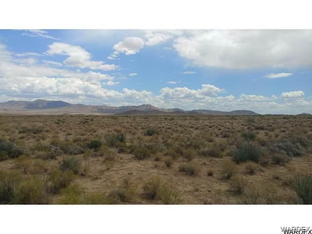 LOt 5 N Amigo Drive, Kingman, AZ 86409 (MLS #981631) :: The Lander Team