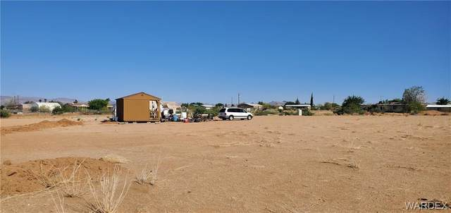 5223 W Chino Drive, Golden Valley, AZ 86413 (MLS #981836) :: The Lander Team