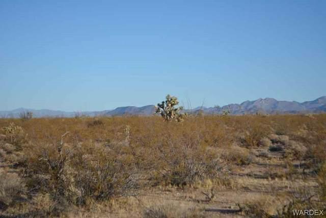 Lot 234 S Cortaro Road, Yucca, AZ 86438 (MLS #981947) :: AZ Properties Team | RE/MAX Preferred Professionals