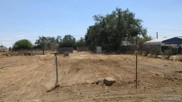 4012 E Devlin Avenue, Kingman, AZ 86409 (MLS #981984) :: The Lander Team