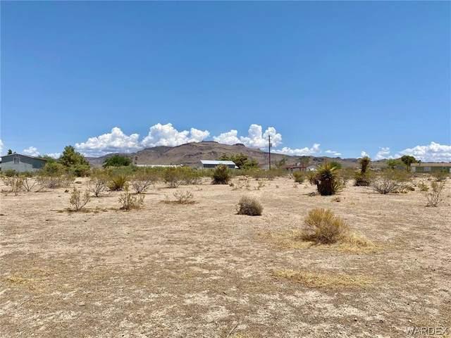 3001 W Carmichael Road, Golden Valley, AZ 86413 (MLS #983473) :: The Lander Team