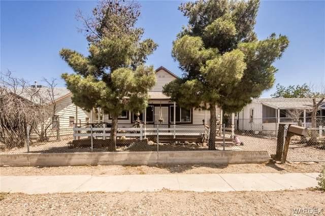 217 E Oak Street, Kingman, AZ 86401 (MLS #983691) :: The Lander Team
