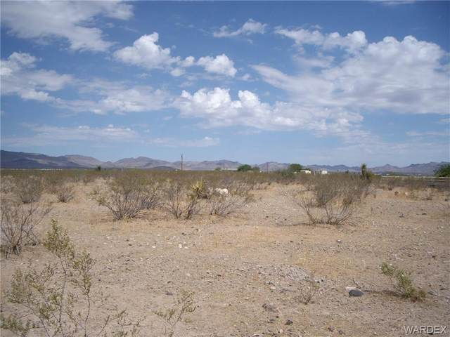 306-43-013M Shipp, Golden Valley, AZ 86413 (MLS #983890) :: The Lander Team