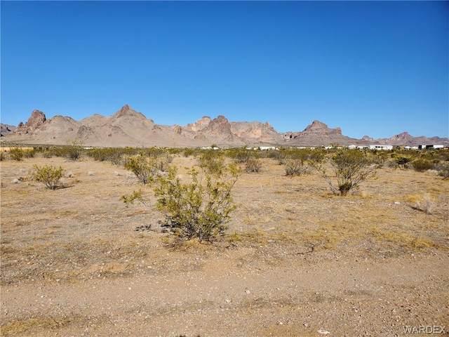 4852 S Naco Road, Golden Valley, AZ 86413 (MLS #984074) :: AZ Properties Team | RE/MAX Preferred Professionals
