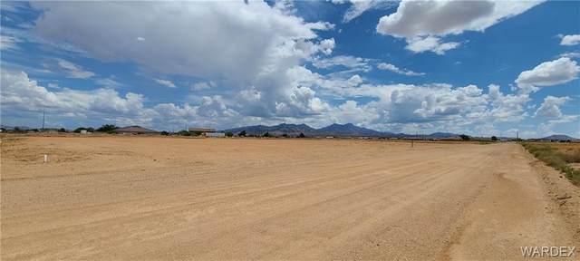 3844 N Arizona, Kingman, AZ 86409 (MLS #984197) :: The Lander Team