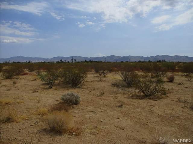 820 S. Glen Canyon Rd., Golden Valley, AZ 86413 (MLS #984262) :: The Lander Team