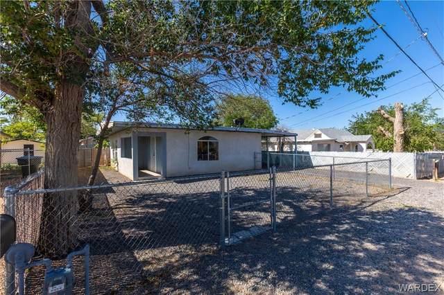 2426 Wallapai Avenue, Kingman, AZ 86401 (MLS #984313) :: The Lander Team