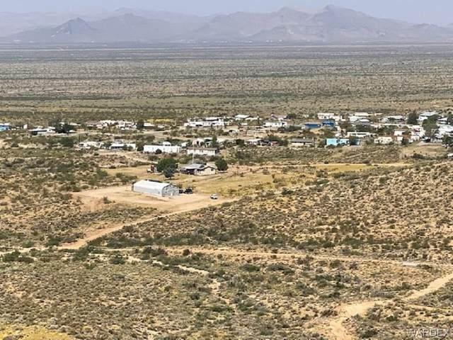 4437 N Castle Tank Road, Golden Valley, AZ 86413 (MLS #985325) :: The Lander Team