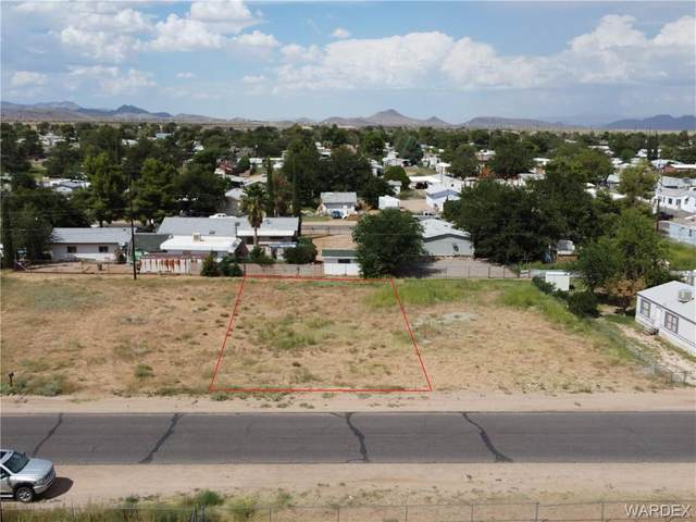 2685 E Thompson Avenue, Kingman, AZ 86409 (MLS #985547) :: The Lander Team
