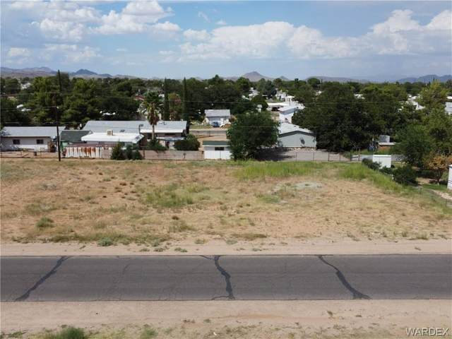 2695 E Thompson Avenue, Kingman, AZ 86409 (MLS #985556) :: The Lander Team