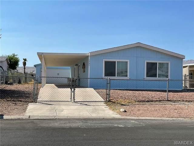 1721 River Gardens Drive, Bullhead, AZ 86442 (MLS #985787) :: The Lander Team
