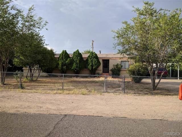 2125 E Northfield Avenue, Kingman, AZ 86409 (MLS #985918) :: The Lander Team