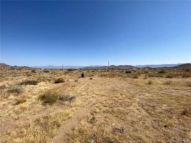 2727 E Calle Cedral, Kingman, AZ 86401 (MLS #986326) :: The Lander Team