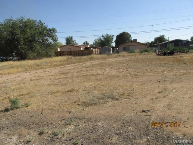 3684 E Canary Lane, Kingman, AZ 86409 (MLS #932309) :: The Lander Team
