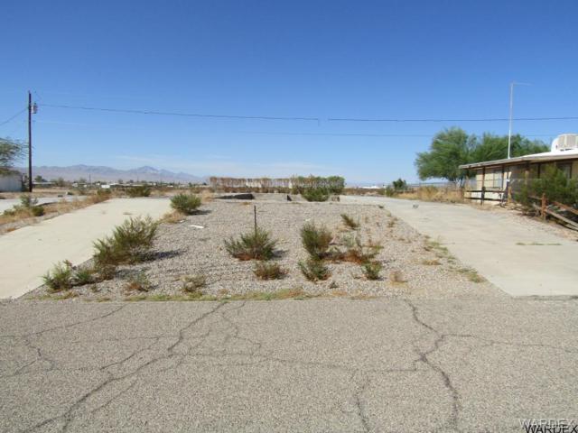 5531 Topaz Street, Fort Mohave, AZ 86426 (MLS #932508) :: The Lander Team