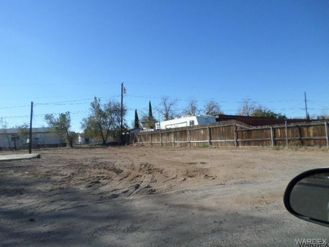 3910 E Northfield Avenue, Kingman, AZ 86409 (MLS #934886) :: The Lander Team