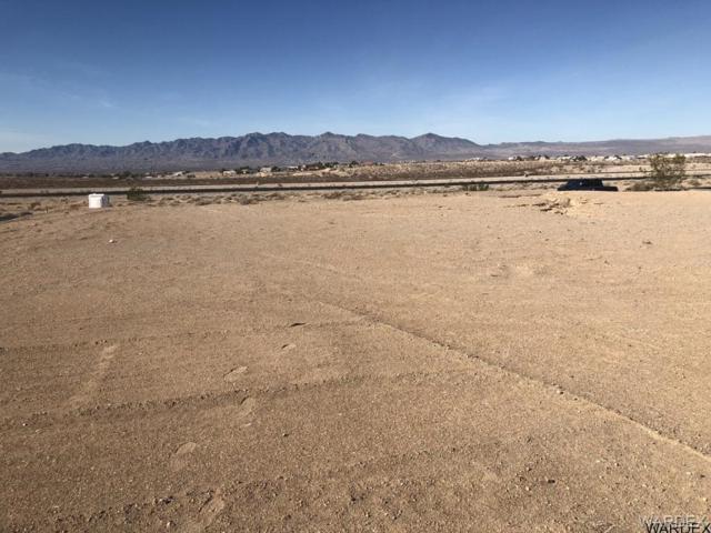 5233 S Antelope Drive, Fort Mohave, AZ 86426 (MLS #936598) :: The Lander Team