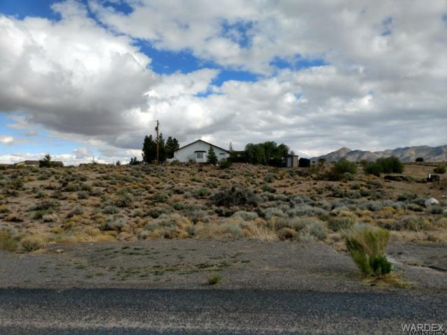 3364 Cerritos Lane, Kingman, AZ 86401 (MLS #938116) :: The Lander Team