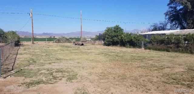 8185 Green Valley Road, Mohave Valley, AZ 86440 (MLS #956767) :: The Lander Team