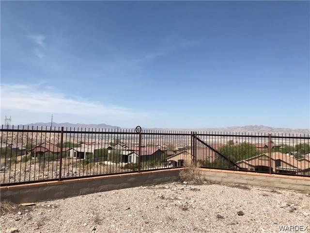2788 Steamboat Drive, Bullhead, AZ 86429 (MLS #958645) :: The Lander Team