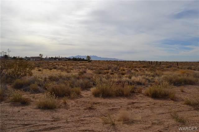 7002 E Blazed Ridge Drive, Kingman, AZ 86401 (MLS #962649) :: The Lander Team