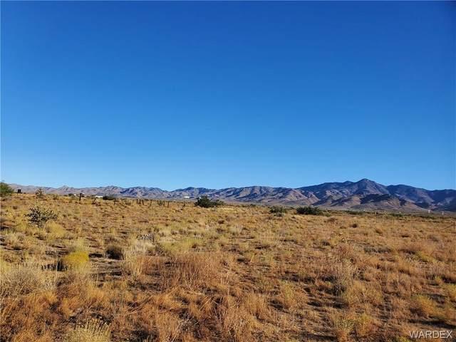 Lot 5 Hwy 93, Golden Valley, AZ 86413 (MLS #973630) :: The Lander Team